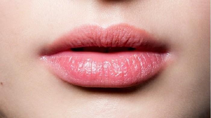 Tips Mencegah Bibir Kering di Udara Dingin