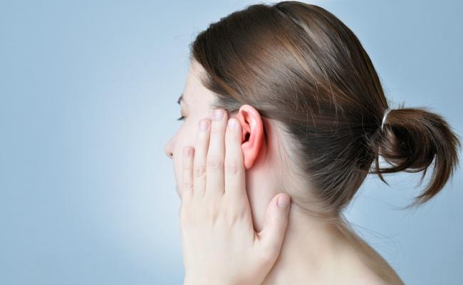 Waspadai Kebiasaan-Kebiasaan Anda Yang Membuat Telinga Menjadi Budek