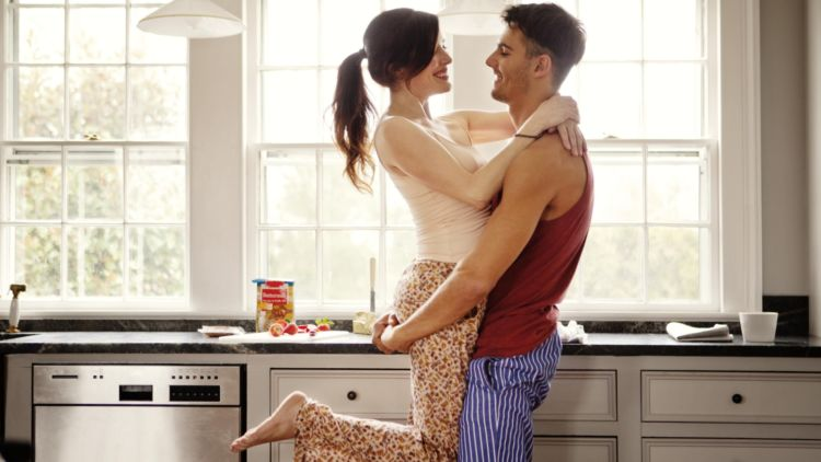 Pria Perlu Peka di Saat Istrimu Kode Untuk Berhubungan Intim