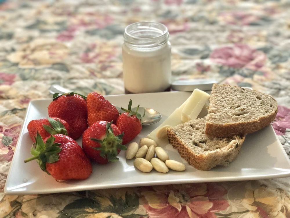 3 Jenis Makanan Yang Baik Untuk Kesehatan Usus