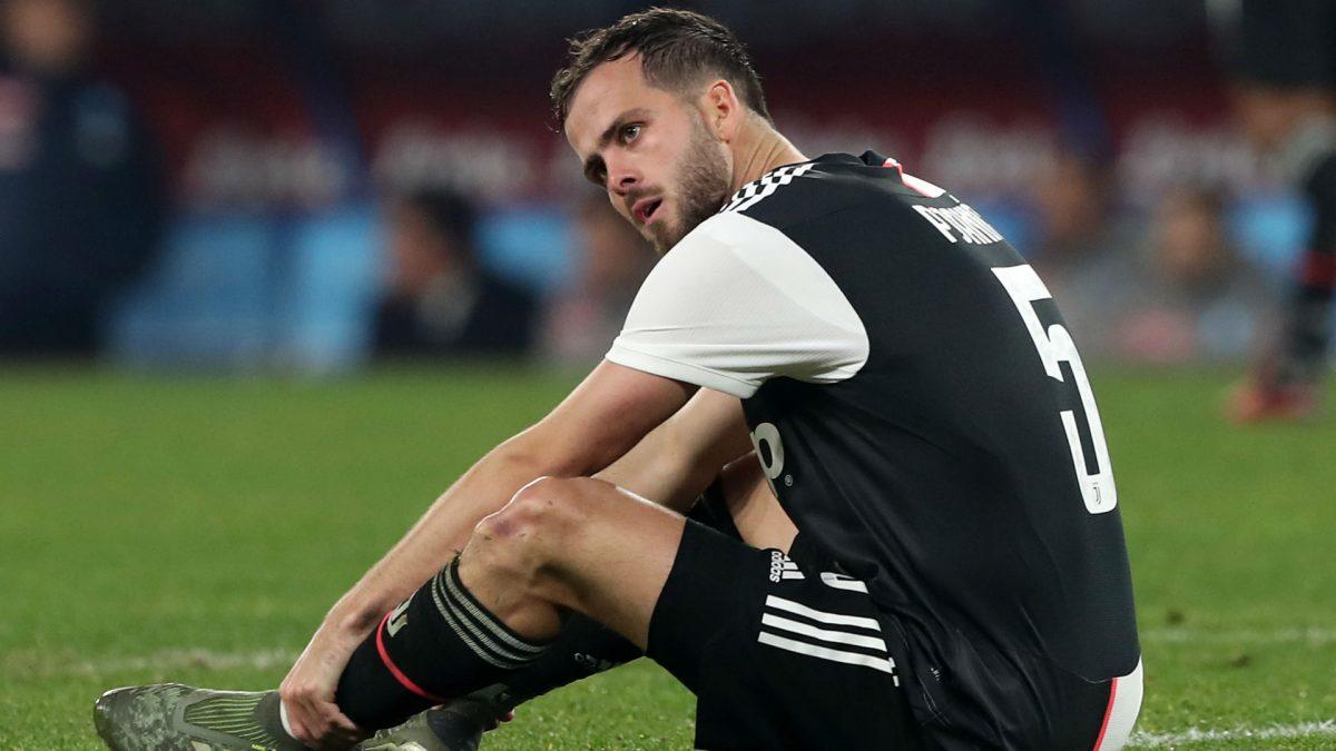 Barcelona dan PSG Berebut Pemain Gelandang Juventus