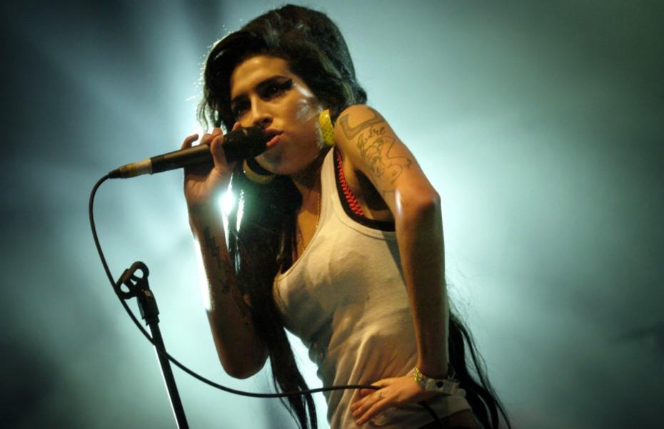 10 Tahun Setelah Kematian Winehouse, Keluarga 'Klaim Kembali' Ceritanya