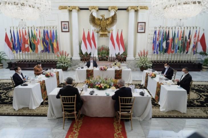 Junta Myanmar mundur?